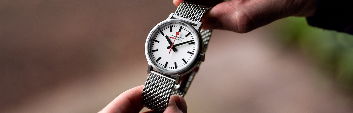 Mondaine Stop2Go BackLight Review - A Watch With Must See Party Tricks