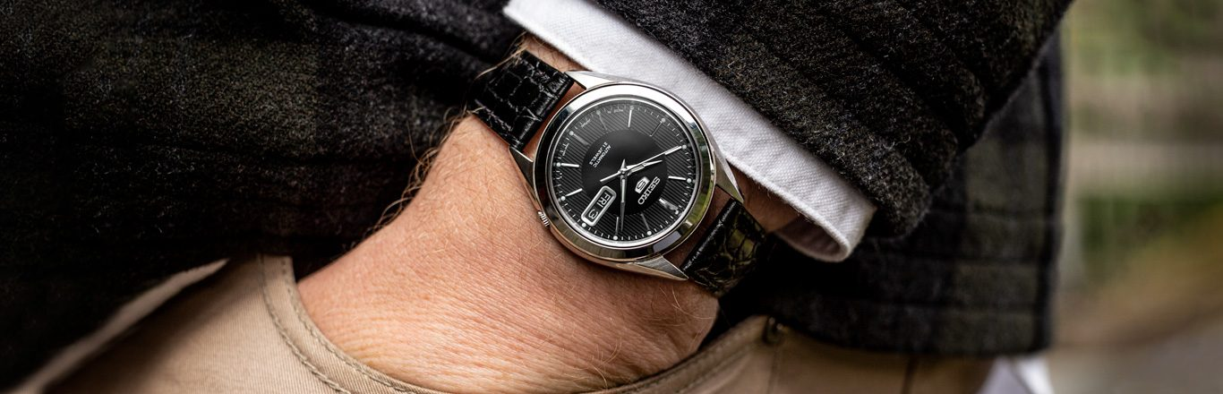 This Is The Best Entry Level Watch - Are Cheap Watches Worth It? - The Seiko 5 SNKL23 Review