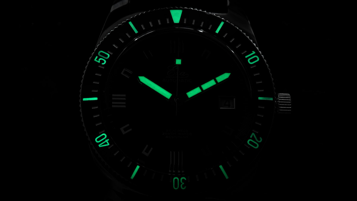 The lume of the Eza 1972 Dive Watch